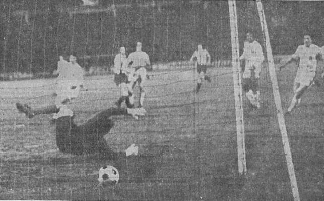02.04.1975: Sporting Gijón 3 - 0 Valencia CF