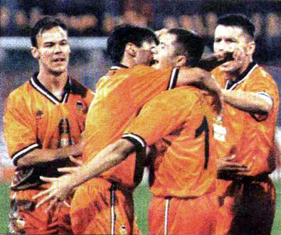 15.09.1998: St. Bucarest 3 - 4 Valencia CF