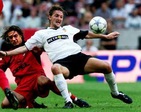 28.07.2001: AC Milan 1 - 2 Valencia CF