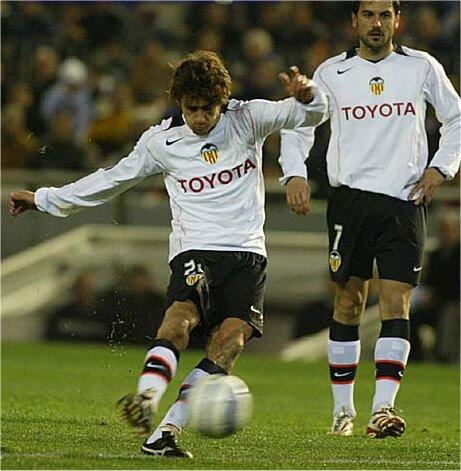 16.02.2005: Valencia CF 2 - 0 St. Bucarest