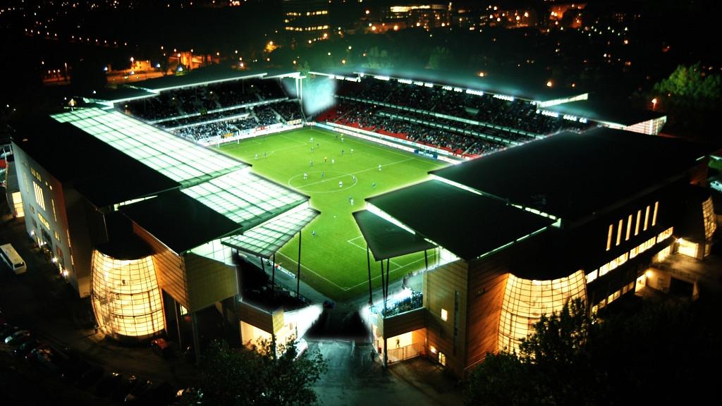 stadium_351.jpg